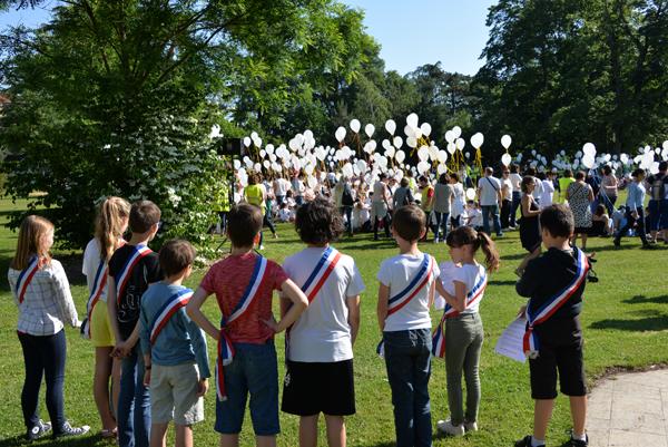 Conseil municipal junior fête écoles paix Brignais 2018