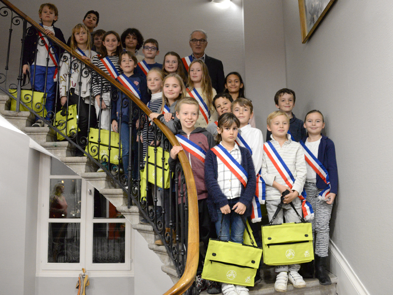 photos élus conseil municipal junior Brignais